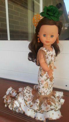 Nancy con vestido de Sevillana