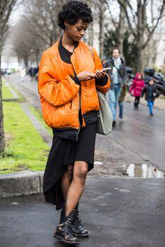 Bomber orange à la Fashion Week Paris automne hiver 2016 2017