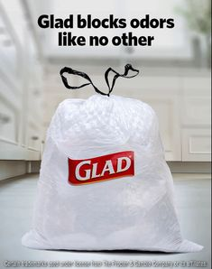 Traps, Locks, Neutralizes - There's no such thing as too much odor-blocking technology. Our Glad with Febreze bags trap, lock and neutralize tough odors like no other. Fall Arts And Crafts, Fun Crafts, Diy Bags Purses, Purses And Handbags, Febreze, Cleaning Wood, Cleaning Hacks, Hurricane Preparedness, Paint Colors For Living Room