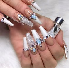 Glam Rhinestones Nail Art ★ Discover trendy and cute white coffin nails designs with accent, glitter, rhinestones. Find an idea for your long, short nails. Sparkle Acrylic Nails, Coffin Nails Glitter, White Coffin Nails, White Acrylic Nails, Coffin Nails Long, White Nails, Stiletto Nails, Silver Nails, 3d Nails