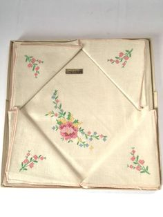 Vintage Bridge Set Embroidered Cloth Napkins Tablecloth Linens Mid Century New