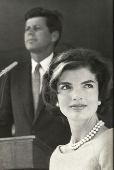 Jackie + JFK = glamour at its finest.
