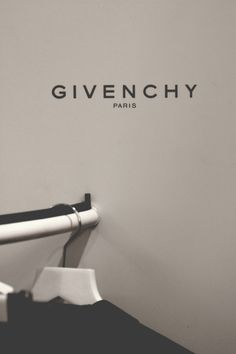 Givenchy | Campaign.