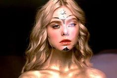 Elle Fanning as Jesse in The Neon Demon The Neon Demon, Demon Makeup, Neon Girl, Dakota And Elle Fanning, Princess Aesthetic, Film Aesthetic, Beauty Shots, Film Stills, Girl Photography