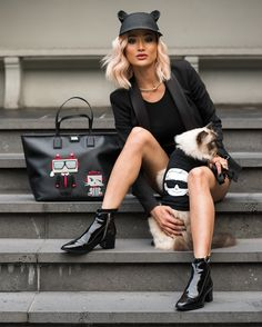 Karl Lagerfeld - A closer look at his rise, history and . Karl Lagerfeld Choupette, Karl Lagerfeld Bags, Coco Chanel, Hillary Fisher, Fendi, Micah Gianelli, Look Formal, All Black Outfit, Mode Style