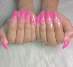 "Exceptional ""metal art plasma"" information is available on our site. Hot Pink Nails, Pink Ombre Nails, Green Nails, Cute Nails, Pretty Nails, Faded Nails, Vacation Nails, Pink Acrylic Nails, Sparkle Nails"
