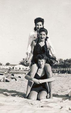 Bathing beauties 1948
