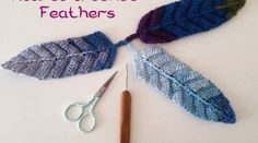I love how the feathers looks on the dream catchers, for a long time i have been waiting the crocheted version of the feathers. One beatiful day, i found this tutorial. Esperanza and Ana Celia are …