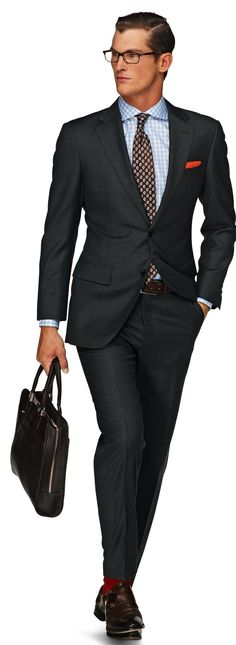 Suitsupply Suits: Soft-shoulders, great construction with a slim fit—our tailored, washed and formal suits are ideal for any situation. Look Formal, Formal Suits, Men's Business Outfits, Business Attire, Business Casual, Suit Supply, Suit Combinations, Men Dress Up, Sharp Dressed Man