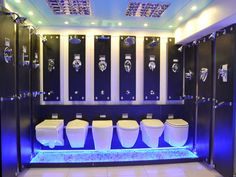 sanitary ware showroom - Αναζήτηση Google Bathroom Store, Bath Store, Mobile Shop Design, Showroom Interior Design, Showroom Ideas, Bath Showroom, Front Elevation Designs, Bathroom Showrooms, Tile Stores