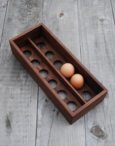COUNTERTOP EGG TRAY: WALNUT