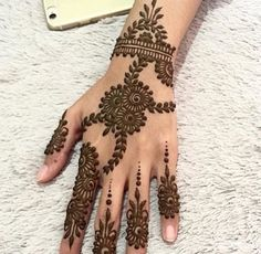 Mehndi i love it! Cute Henna Designs, Finger Henna Designs, Indian Mehndi Designs, Stylish Mehndi Designs, Bridal Henna Designs, Beautiful Henna Designs, Latest Mehndi Designs, Mehndi Designs For Hands, Mehndi Images