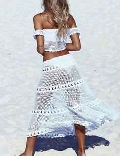 Top + pollera                                                                                                                                                                                 More Bikinis Crochet, Crochet Skirts, Crochet Clothes, Crochet Coat, Crochet Tunic, Gypsy Dresses, Beachwear, Summer Outfits, Style