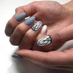Чья работа? #маникюрдня #ногти #гельлак #дизайнногтей #идеидляманикюра #мастерманикюра #nailмастер #gelpolish #nails #маникюр #геометриянаногтях #графикананогтях #серыйманикюр