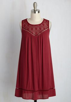 As you face the judges with a freshly baked confection, your boho-inspired shift dress catches their eyes! The panel notices that the lace yoke, crisscrossing back detail, and ladder trimmed hem of this cranberry frock is reminiscent of the lattice crust you so lovingly crafted, creating an incredibly blue-ribbon-worthy look!