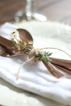 Fall Table: Rose Gold Flatware - tie it up with twine and a stem from the yard. So easy and pretty.