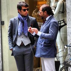 Gentlemen discussing...with my friend @Santo Barillà...on the