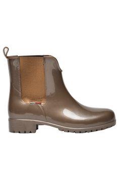BUTY – HILFIGER DENIM – KALOSZE 349.90zł http://mybranding.pl/produkt/buty-hilfiger-denim-kalosze/ #moda #fashion #women #kobieta #mybranding #buty #damskie #hilfiger #denim #brązowe #brown
