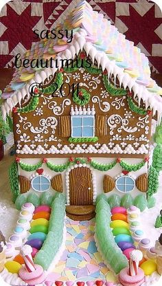 House: Love the piped garland and the colorful flagstone walkway!Gingerbread House: Love the piped garland and the colorful flagstone walkway! Christmas Goodies, Christmas Treats, Christmas Baking, All Things Christmas, Christmas Holidays, Christmas Decorations, Xmas, Turkey Decorations, Italian Christmas