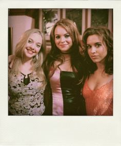 """Amanda Seyfried, Lindsay Lohan and Lacey Chabert behind the scenes of Mean Girls "" Mean Girls Costume, Girl Costumes, Costume Ideas, Lindsay Lohan, Amanda Seyfried, Logan Lerman, Mean Girls Movie, Lacey Chabert, Regina George"
