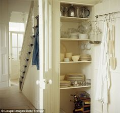 Farmhouse pantry under stairs super ideas Farmhouse pantry under stairs super ideas - Own Kitchen Pantry Pantry Cupboard, Pantry Storage, Kitchen Cupboards, Kitchen Pantry, Kitchen Ideas, Storage Room, Closet Storage, Storage Ideas, Kitchen Under Stairs