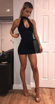 Tight Dresses, Sexy Dresses, Cute Dresses, Wearing Dresses, Beautiful Legs, Gorgeous Women, Sexy Outfits, Talons Sexy, Great Legs