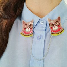 Cat collar clips // shrink plastic // llustrated by whistleburg
