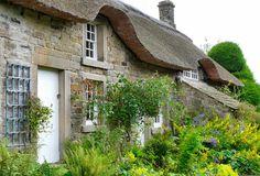 Baslow Cottage Beautiful Buildings, Beautiful Places, Cute Cottage, Thatched Roof, Alkaline Diet, Peak District, Cottage Gardens, Stone Mosaic, Derbyshire