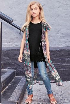 Nothing screams warm weather like a colour kimono and this one is our fave from our new spring collection! Girls Fashion, outfits for tweens, children's clothing. Little Girl Outfits, Cute Girl Outfits, Little Girl Fashion, Outfits Niños, Outfits For Teens, Fashion Outfits, Preteen Fashion, Kids Fashion, Next Fashion