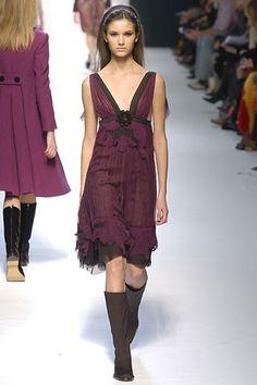 Alberta Ferretti Fall 2005 Ready-to-Wear Collection Slideshow on Style.com
