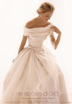 Le Spose di Giò I would love to see this on me. It would be a great wedding dress!