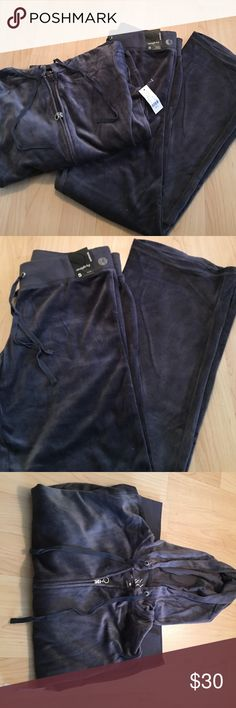 BRAND NEW NY&C SWEATSUIT NEVER BEEN WORN, NEW WITH TAGS!!!!! Dark grey/charcoal velour sweatsuit from New York & Company. Jacket size small. Pants are a straight leg size small (average). Perfect for the fall/winter!!! Selling the set together!!!!! New York & Company Other