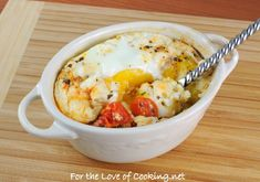 baked eggs in roasted tomatoes! yum!    http://www.fortheloveofcooking.net/2012/05/baked-eggs-in-roasted-tomatoes.html