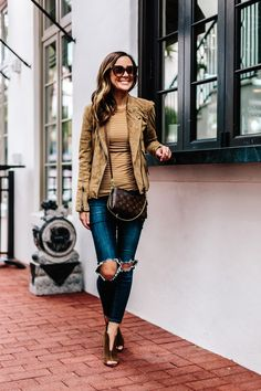 My Favorite Jeans Under $100 Styled Two Ways | Alyson Haley #fall #fallstyle #travel