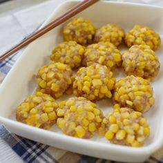 Ramadan recipes 562527809704422022 - Puchachachi Corn Shumai – A Japanese chicken meatball covered in corn. I may bake these instead of microwaving them. Source by Veggie Recipes, Asian Recipes, Appetizer Recipes, Healthy Recipes, Bento, Healthy Cooking, Cooking Recipes, Cooking Kale, Macaroni Recipes