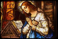 Annunciation Glass - Mary - Our Lady - © Slices of Light - CC - es