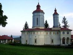 Atractii turistice din Buzau, Manastirea Ciolanu, Manastirea Cetate Bradu, Manastirea Barbu, Fantana lui Mihai Viteazul,