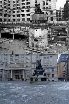 Exchange Flags, Liverpool, 1956 and 2013 Liverpool Town, Liverpool History, Natural Swimming Ponds, Interesting Buildings, Historical Architecture, Historical Pictures, London England, Wonderful Places, Old Photos