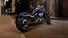 With its low-slung, drag style stance, Big Twin motor and a fat, rear tire, Harley's new Softail Breakout Harley Davidson Street, Harley Davidson Motorcycles, Harley Davidson Wallpaper, Motorcycle Rallies, Motorcycle Wallpaper, Drag Bike, Hot Bikes, Porsche Cars, Biker T Shirts