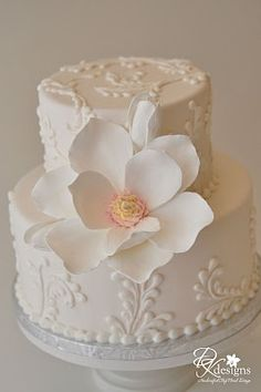 Magnolia cake from DK Designs. Magnolia cake from DK Designs. Fancy Cakes, Cute Cakes, Pretty Cakes, Beautiful Wedding Cakes, Gorgeous Cakes, Amazing Cakes, Small Wedding Cakes, Fondant Cakes, Cupcake Cakes