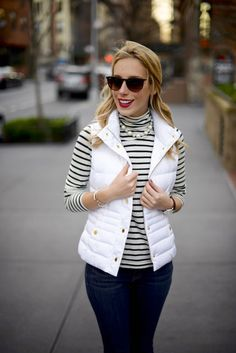 Katie's Bliss styles a cute and casual winter outfit wearing UGG bailey button boots and a white Lilly Pulitzer puffer vest. Puffer Vest Outfit, White Puffer Vest, Vest Outfits, Casual Winter Outfits, Casual Wear, Fall Outfits, Cute Outfits, Fashion Outfits, Woolen Tops