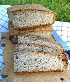 Domowy chleb bez glutenu Pyszny, chrupiący, mimo że bezglutenowy. Wypróbuj przepis BEZ .. obaw :) podany smacznie i zdrowo..
