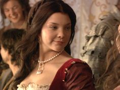 nadalie dormer the tudors hairstyle with simple braid