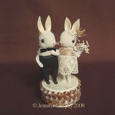 {Jennifer Murphy - Bunny Wedding Cake Topper} Tiny cute things -- my favorite. Might be over-the-top if we're doing a simple cake with flower-only decorations, though. Wedding Cake Decorations, Wedding Cake Toppers, Wedding Cakes, Jennifer Murphy, Rabbit Wedding, Pom Pom Animals, Pom Pom Crafts, Crochet Amigurumi, When I Get Married