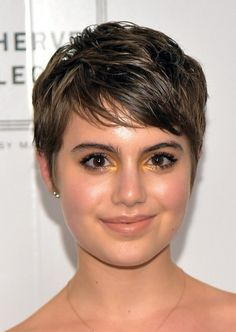Sami Gayle short hairstyles for chubby face