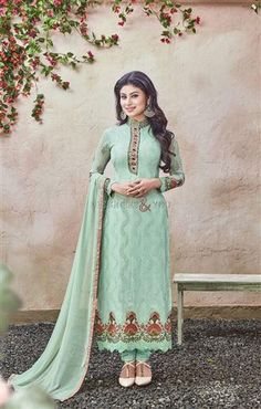 Simple pakistani salwar suit designs with parallel shape kameez Visit: http://www.designersandyou.com/dresses/bollywood-dresses #India Style #BollywoodTrend #Designer #DesignerWear #PartyWear #LatestCollection #Modern #Fashionable #Trendy #Fabulous #Embroidered #Gorgeous #New Look