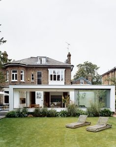 Articles about planning historic home renovation. Dwell is a platform for anyone to write about design and architecture. Architecture Extension, Houses Architecture, Architecture Design, Extension Veranda, Roof Extension, Extension Ideas, Flat Roof House, House Extensions, Historic Homes