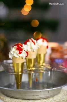Mini cucuruchos de crema de queso con mermelada de pimientos