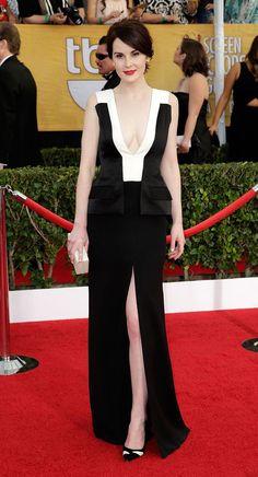 Downton Abbey actress Michelle Dockery chose a monochrome, thigh-split dress  by J. Mendel