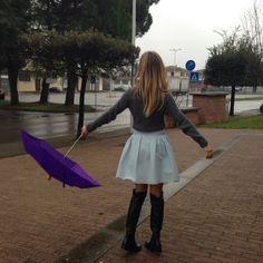 Rainy day streetstyle! Follow us on Instagram Theblondegirlsdiaries!